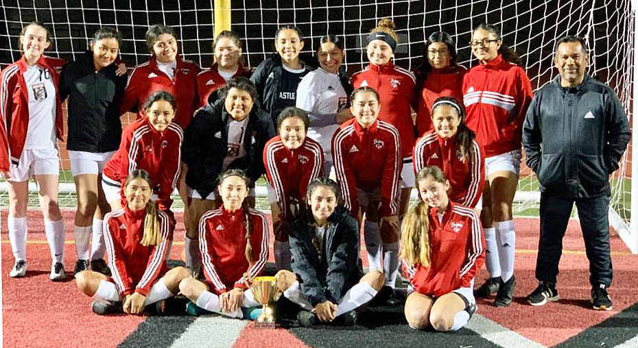 The Castle Park High School girls soccer team captured their division with a 4-0-1 showing at this year's El Capitan Lady Vaquero tournament.